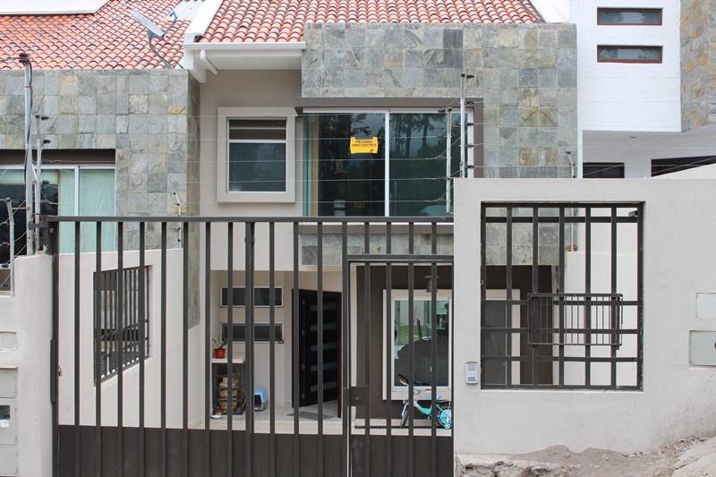 Amplia villa de Primera, sector Arenal Alto