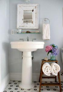 Baño pequeño estilo shabby chic
