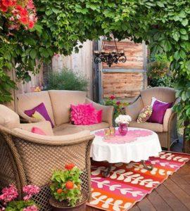 Decorar-Jardines-y-terrazas-con-mucho-color-8-580x645