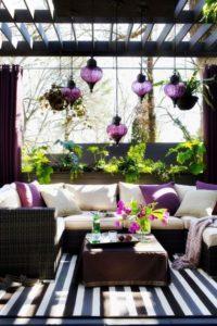 Decorar-Jardines-y-terrazas-con-mucho-color-9-580x870