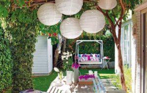 ideas-para-decorar-un-jardin-con-cosas-recicladas-615x387