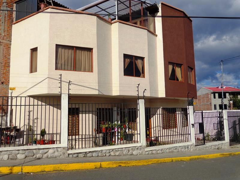 Vendo Casa Nueva en Quinta Chica