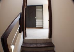 4 Dormitorios , Villa, En Venta, 3 Baños Completos, Código Inmueble 1140, Colegio Borja, Cuenca, Azuay,