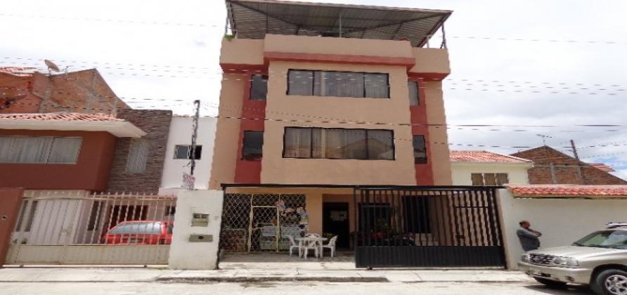 10 Dormitorios , Casa, En Venta, 6 Baños Completos, Código Inmueble 1141, Cdla Simón Bolívar, Cuenca, Azuay,