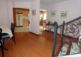 4 Dormitorios , Casa, En Venta, 3 Baños Completos, Código Inmueble 1157, Av. 12 de Octubre, Cuenca, Azuay,