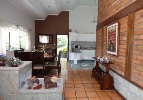 4 Dormitorios , Casa, En Venta, 4 Baños Completos, Código Inmueble 1243, Chaullabamba, Cuenca, Azuay,