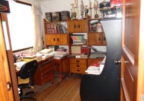 6 Dormitorios , Casa, En Venta, 4 Baños Completos, Código Inmueble 1257, Centro, Cuenca, Azuay,