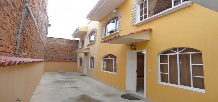 4 Dormitorios , Villa, En Venta, 3 Baños Completos, Código Inmueble 1277, Cebollar, Cuenca, Azuay,