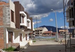 3 Dormitorios , Villa, En Venta, 3 Baños Completos, Código Inmueble 1298, Ricaurte, Cuenca, Azuay,