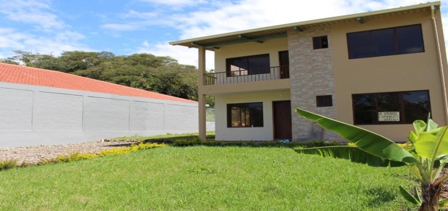 4 Dormitorios , Casa, En Venta, 2 Baños Completos, Código Inmueble 1054, Yunguilla, Santa Isabel, Azuay,